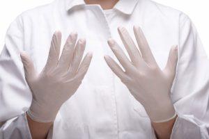 手袋とサヨナラ「掌蹠膿疱症」を漢方薬で改善